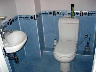 Как закрыть трубы в туалете: чем лучше это сделать - пластиковыми панелями, гипсокартоном