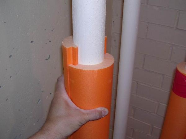 утепление водопроводных труб на даче