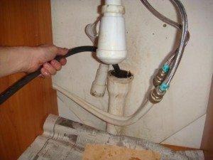 чем прочистить канализационные трубы