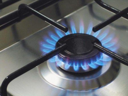 чем закрыть газовую трубу на кухне