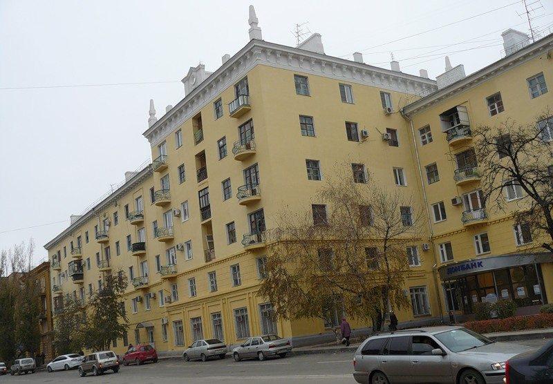 Для домов сталинской планировки характерна большая толщина наружных стен.