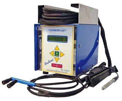 Электросварные фитинги подключаются к специальному сварочному аппарату, который можно настроить на определенные параметры.