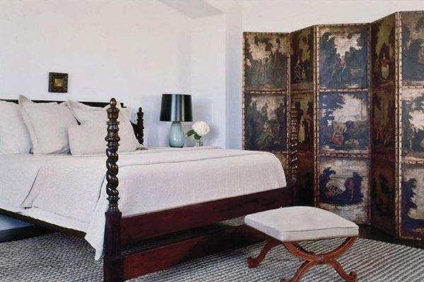 Кровать за ширмой