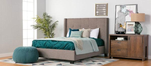 Мятно-постельная спальня