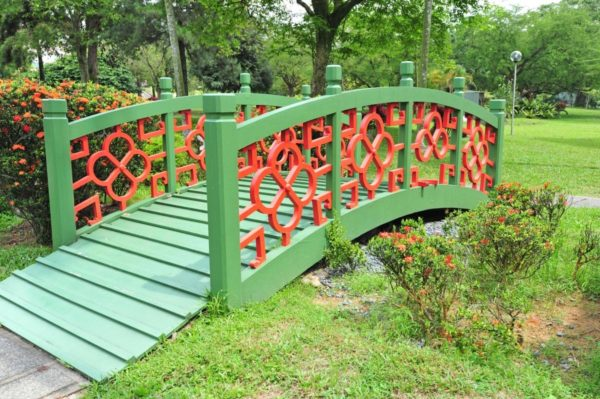 Красно-зеленый мост