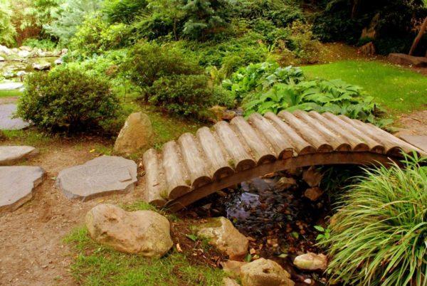 Деревянный мост без перил