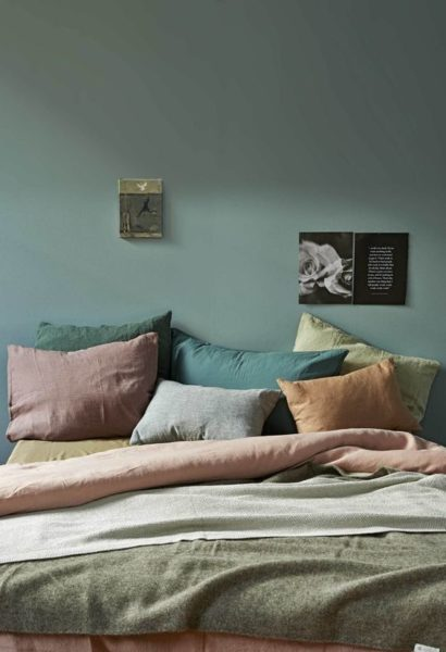 Цветные акценты в спальне