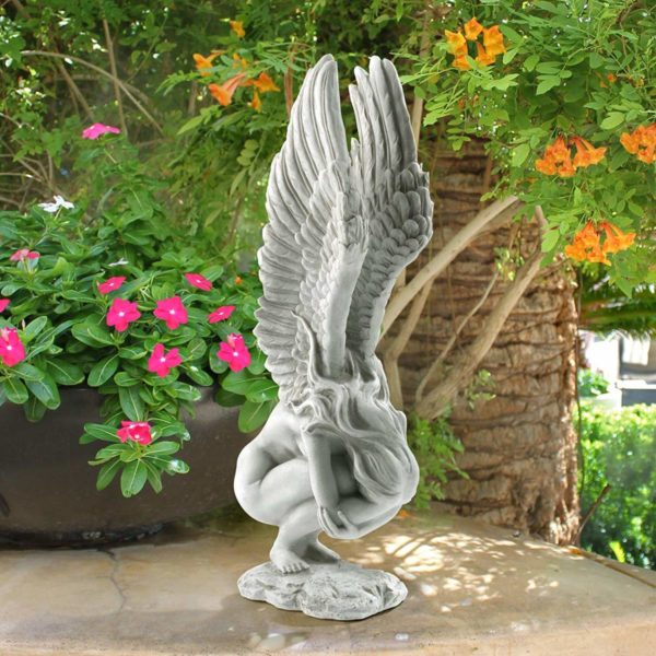 Статуя богини