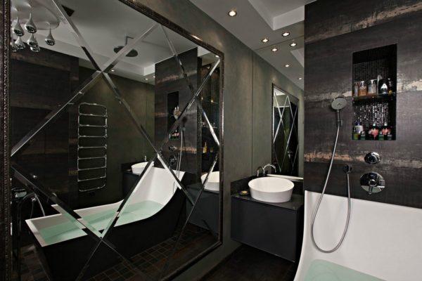 Зеркальная плитка добавит света и пространства в вашу ванную.