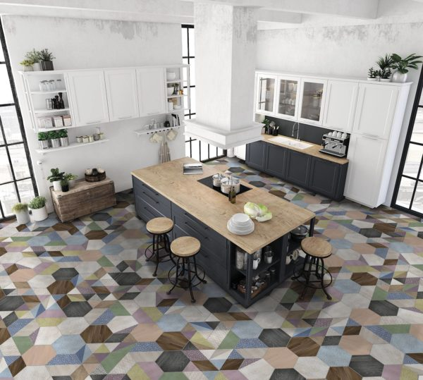 Очень интересно подобранное сочетание плитки, имитирующей различную текстуру в различном цвете.