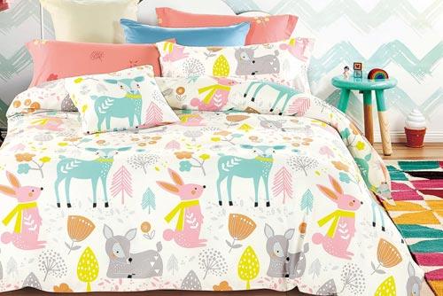 На качественном, нежном постельном белье спать намного приятнее.