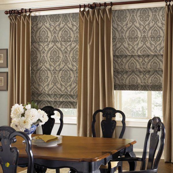 Римские шторы в интерьере гостиной.