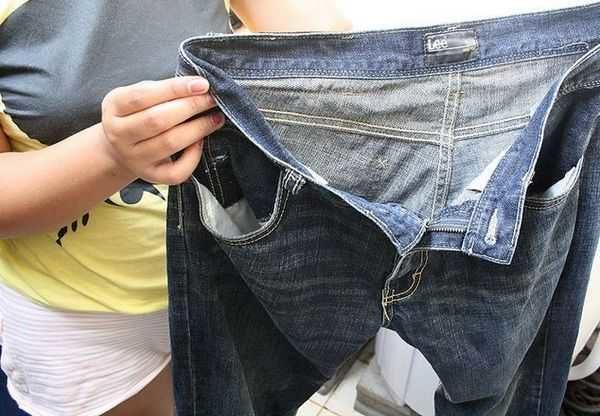 Проверяйте карманы вещей перед тем, как положить их в барабан стиральной машинке.