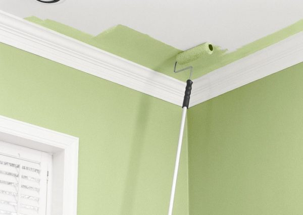 Потолок не обязательно оставлять белым.