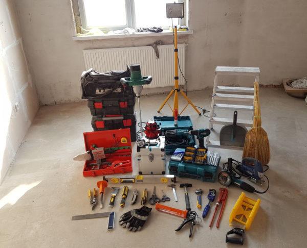 Ремонт начинается с подготовки не только материала, но и инструмента.