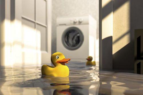 Поломка стиральной машинки может повлечь за собой потоп.