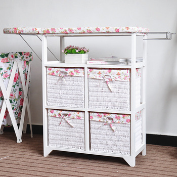 Гладильная доска-столик.