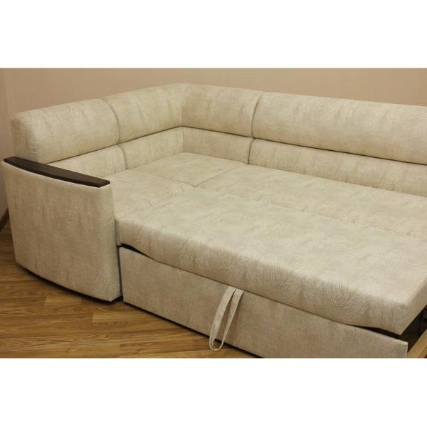 Проверяйте сразу, насколько удобны стыки у разложенного дивана.