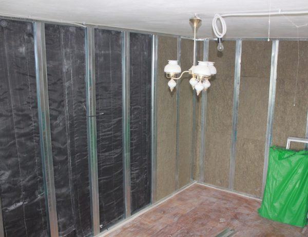 Звукоизоляция стен «съест» некоторое количество пространства вашей квартиры.