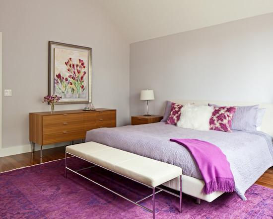 Нейтральная спальня с яркими акцентами придает комнате свежесть и оптимизм.
