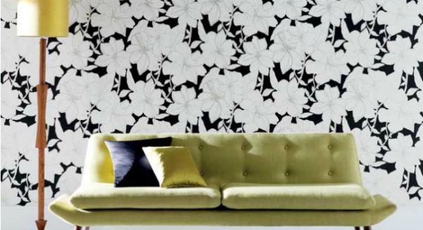 Нейтрального цвета обои дают простор для цветового решения в мебели и декоре комнаты.