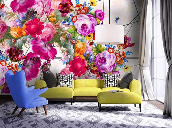 Цветочные обои украшают только одну акцентную стену.
