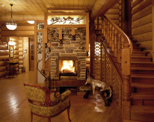 Великолепный срубовой дачный дом с камином.