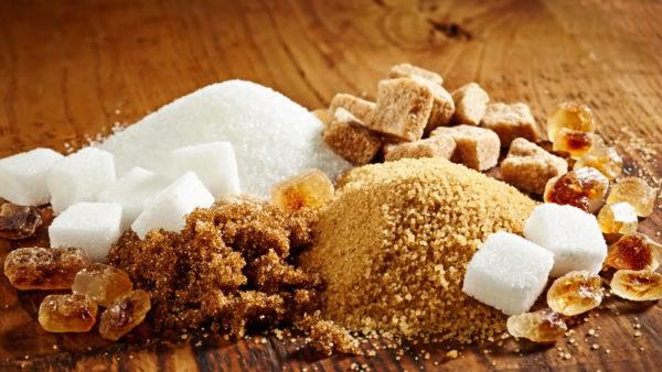 Существует несколько разновидностей сахара.