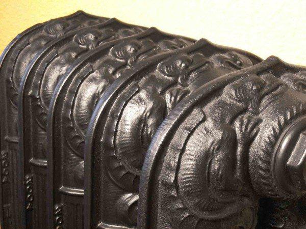 Качественное чугунное литье может быть неотличимым от старинной работы