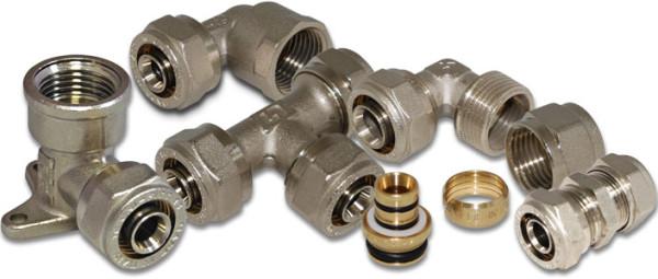 Латунный фитинг для ПНД трубы с накидной гайкой может быть различной конфигурации.