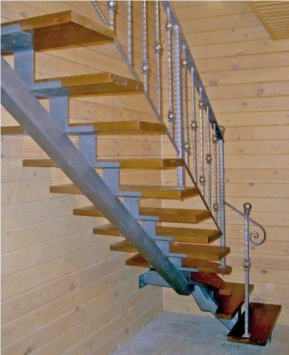 лестница из профтрубы