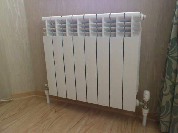 Один из вариантов обвязки радиатора.