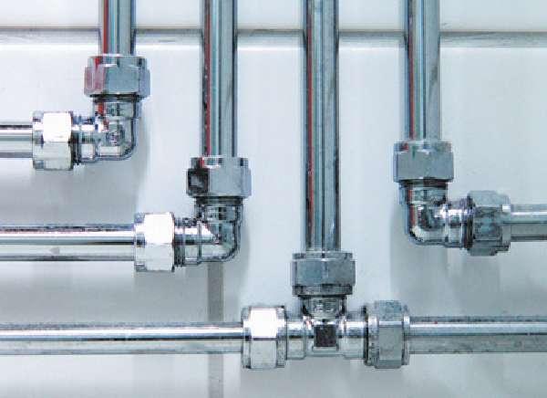 Прокладывание водопровода с использованием комплектующих из нержавеющей стали