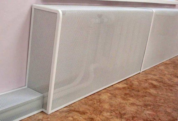Сетка для радиатора отопления, полностью скрывающая все его возможные дефекты