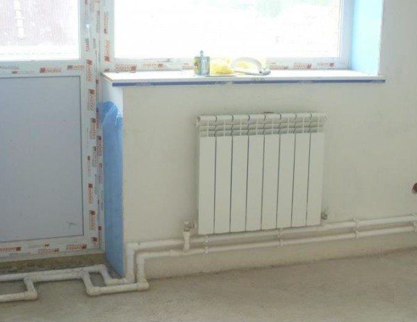 Схемы обвязки радиаторов отопления полипропиленом должны включать компенсаторы на прямых участках.