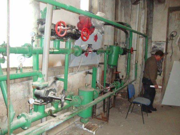 Управление системой центрального отопления осуществляется из элеваторного узла.